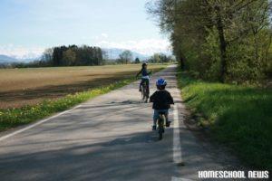 Veloausflug mit Bärlauch-Ernte, Homeschool News, Jan und Bernice Zieba