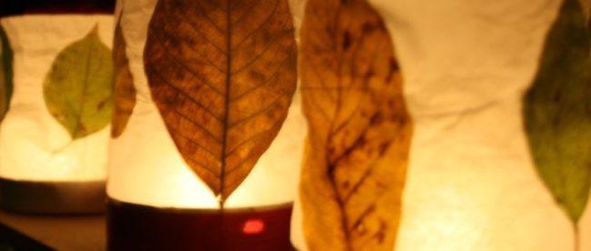 Laterne mit Blätter