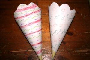 Homeschool-Treffen, Tüten für Popcorn basteln