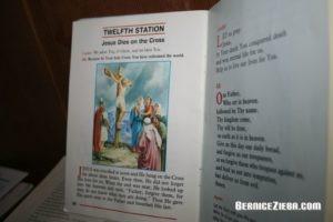 Karfreitag: Die Kreuzigung, Good Friday: Jesus dies on the cross