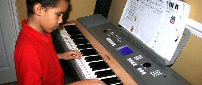 Learning Piano, Klavier lernen