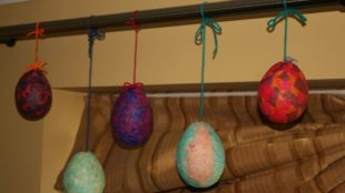 Easter Eggs made of Tissue Paper Mâché